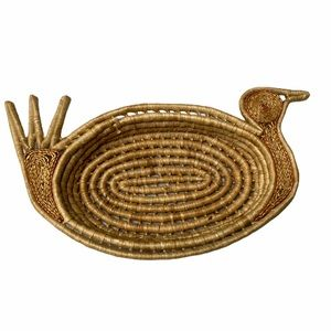 Vintage Woven Straw Bird Turkey Basket Wall Decor